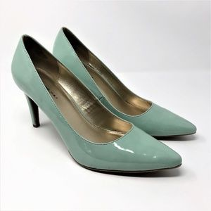Bandolino Vintage Mint Green Patent look Shoes 10M
